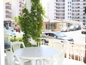 Ref. H/116 - Vend bel appartement a 100 metres de la plage