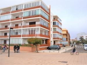 Ref. H/117 - Venta apartamento a 50 metros de la playa