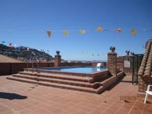Large apartment for sale in Rosas with pool and garage