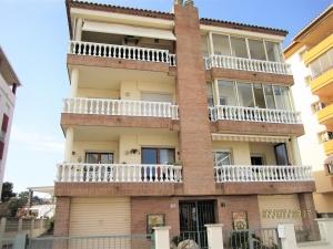 Ref H / 122 -. Vente bel appartement a 150 metres de la plage avec vue sur la mer