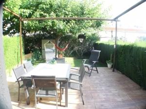 Ref. H / 123 - Vente belle maison avec jardin, piscine et amarre prive