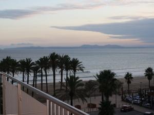 Vend grand appartement à 50 mètres de la plage avec vue mer